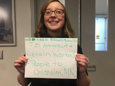 workers-in-chisholm